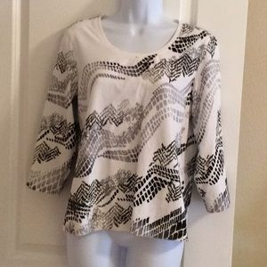 Zenergy by Chico's Black, White and Gray Top